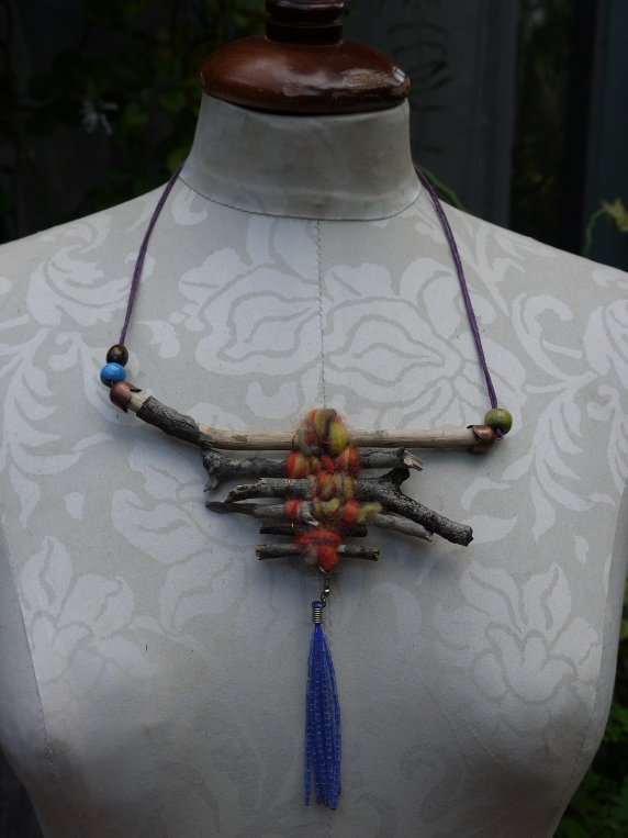 camping_branches_fiber_beads_necklace.jpg