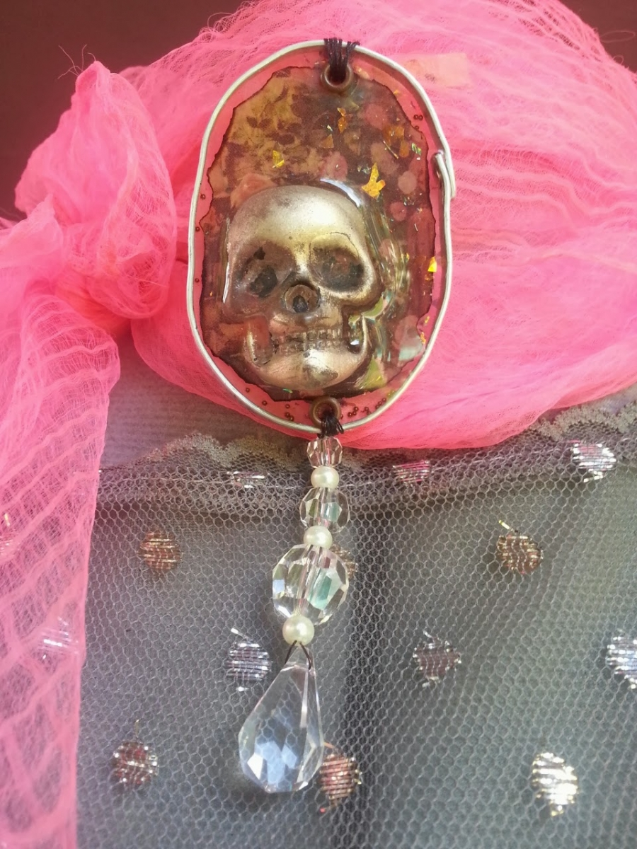 Victorian Day of the dead skull necklace by Jomama